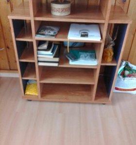 Продам этажерку деревянную