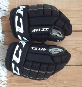 Коньки Bauer Supreme One70. Клюшка Easton Mako M2.