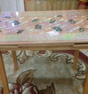 Продам стол обеденный раздвижной.