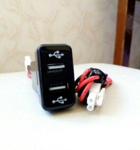 USB зарядное устройство Toyota встроенное в кнопку