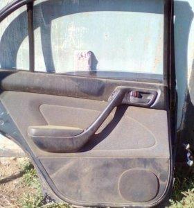 Дверь Тойота-Корона 1993 г.в кузов st 191
