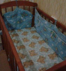 Кроватка-качалка с матрасом+столик для кормления