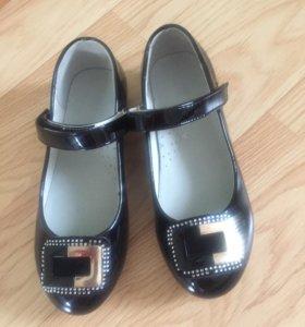 Туфельки для девочки, размер 32, новые!