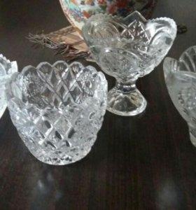 Маленькие хрустальные вазочки