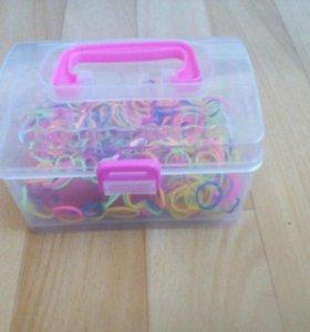 Резиночки для плетения в чемодане