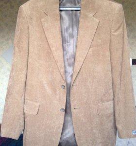 Вельветовый пиджак песочного цвета