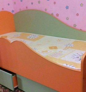 Детская кровать с матрасом 1600*700