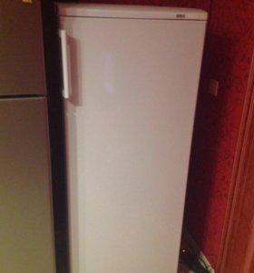 Холодильник атлант б.у. 1 год