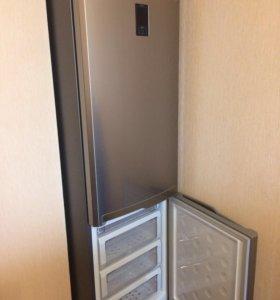 Холодильник Samsung RL 52TEBIH 8,3