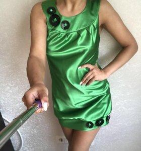 Атласное платье мини
