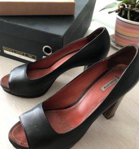 Туфли женские кожаные с открытым носом на каблуке
