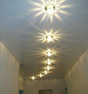 Шпатлевка стен, натяжные потолки.