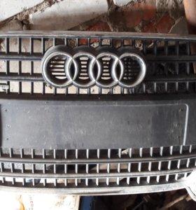 Решетка радиатора Audi Q7 2007 г.в