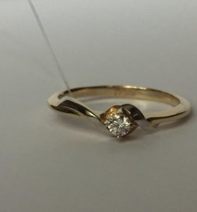 Новое золотое кольцо с бриллиантом!