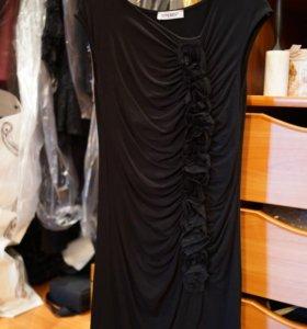 Маленькое короткое чёрное платье