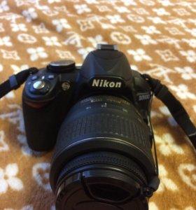 Профессиональный зеркальный фотоаппарат NIKON