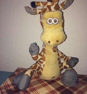 Жираф интерактивный