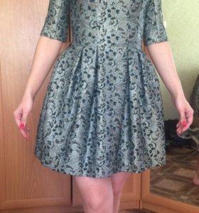 Платья практически новые размер 40-42