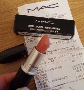 Помада MAC