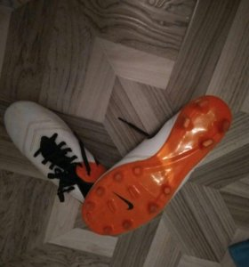 Бутся Nike Tiempo 43 р.