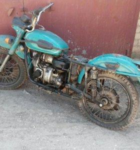 Продам мотоцикл УРАЛ на разбор