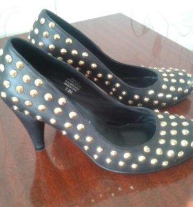 Кожаные туфли Jeffrey Campbell