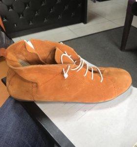 Ботинки замша/ новые