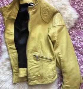 Кожаная куртка Dolche&Gabbana