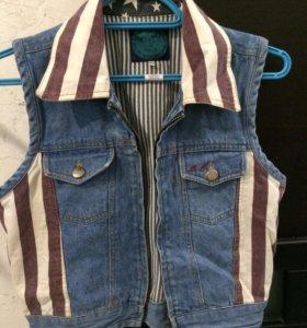 Очень крутая джинсовая жилетка на 11 лет