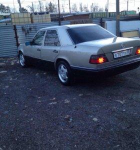 Мерседес 124 2-х литровый. 1995год
