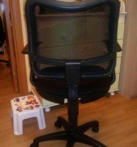 Кресло компьютерное.