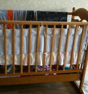 Кровать детская с матрасом пружинным