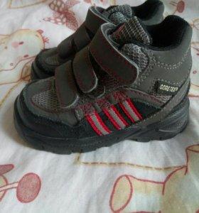 Детские кроссовки Adidas с Gortex 19 р-р