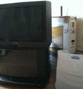Японский телевизор 'Panasonic'