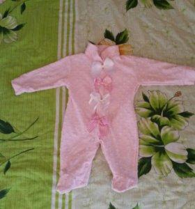 Продам костюмчики на девочку 3-6 месяцев