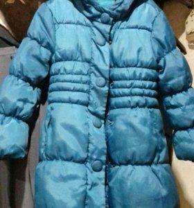 Пальто для девочки 6-7 лет