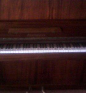 Пианино ,,прилюдия,,
