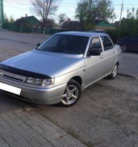 Автомобиль 2110 год 2004