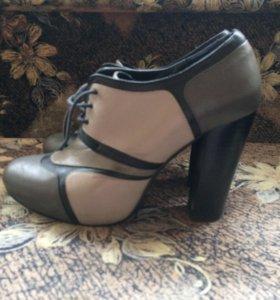 Кожаные женские туфли-ботильоны 39 размер