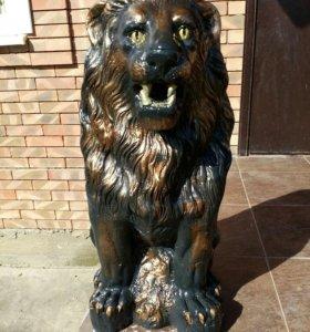 Гипсовая фигура Лев
