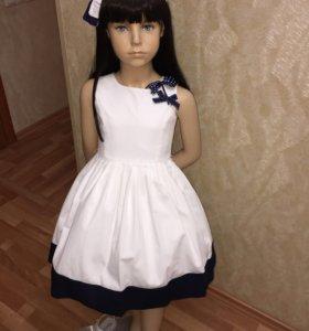 Новое платье GF Ferre 6-7 лет