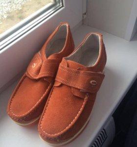 Ботиночки новые натуральная замша