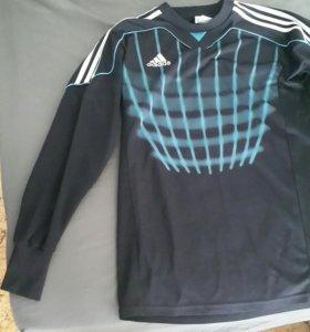 Вратарский футбольный свитер.