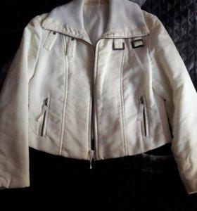 Куртка женмкая