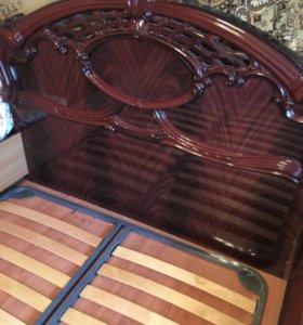 Кровать и матрас к ней
