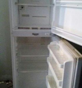 Продаю холодильник Дэу
