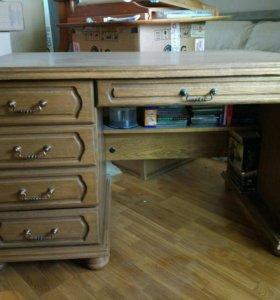 Письменный стол из массива дуба
