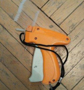 Игловой пистолет для крепления этикеток