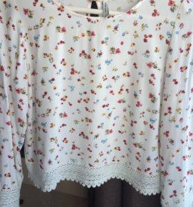 Блузка с кружевами