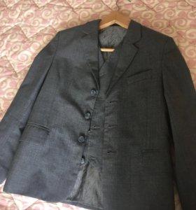 Школьный пиджак 140 р